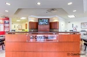 Image of CubeSmart Self Storage - Jacksonville - 645 Park St Facility on 645 Park St  in Jacksonville, FL - View 2