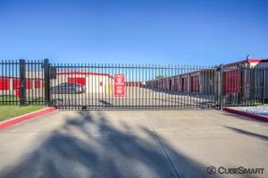 Image of CubeSmart Self Storage - North Richland Hills - 6612 Davis Blvd Facility on 6612 Davis Blvd  in North Richland Hills, TX - View 4