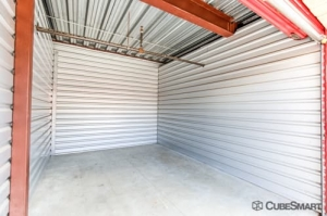 Picture 5 of CubeSmart Self Storage - San Antonio - 9238 I-10 - FindStorageFast.com