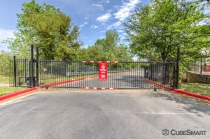 CubeSmart Self Storage - Austin - 610 E Stassney Ln - Photo 4