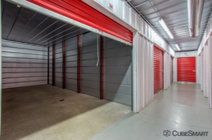 CubeSmart Self Storage - Austin - 10025 Manchaca Rd - Photo 8