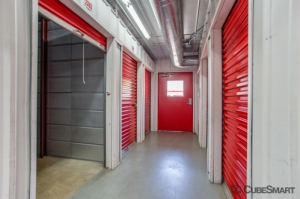 CubeSmart Self Storage - Austin - 10025 Manchaca Rd - Photo 9