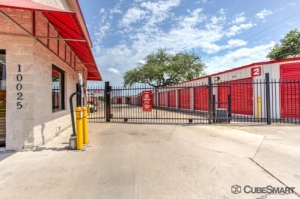Image of CubeSmart Self Storage - Austin - 10025 Manchaca Rd Facility on 10025 Manchaca Rd  in Austin, TX - View 3