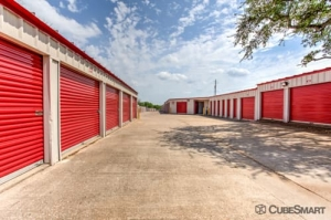 Image of CubeSmart Self Storage - Austin - 10025 Manchaca Rd Facility on 10025 Manchaca Rd  in Austin, TX - View 4