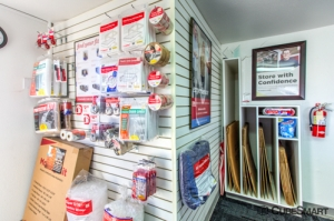 Picture of CubeSmart Self Storage - West Sacramento