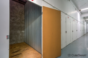 CubeSmart Self Storage - Walnut - 301 South Lemon Creek Dr - Photo 5