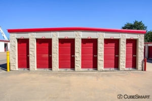 CubeSmart Self Storage - Lewisville - 1236 Texas Street - Photo 10