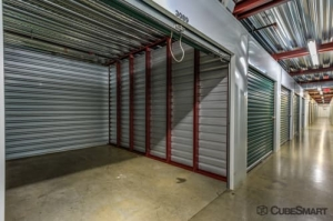 CubeSmart Self Storage - District Heights - Photo 7