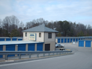 AAAA Self Storage & Moving - Colonial Heights - 400 E Ellerslie Ave - Photo 3