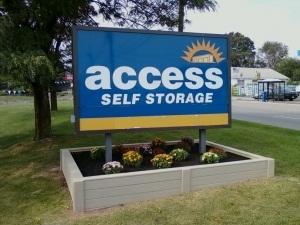Image of Access Self Storage of Woodbridge Facility on 135 Amboy Ave  in Woodbridge, NJ - View 2