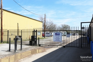 Image of AAA Alliance Self Storage - Humble Facility on 140 S Houston Ave  in Humble, TX - View 2
