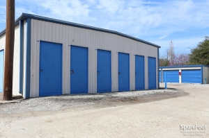 Image of AAA Alliance Self Storage - Humble Facility on 140 S Houston Ave  in Humble, TX - View 4