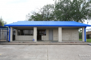 Image of AAA Alliance Self Storage - Houston Facility on 11053 Eastex Fwy  in Houston, TX - View 2