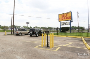 Image of AAA Alliance Self Storage - Houston Facility on 11053 Eastex Fwy  in Houston, TX - View 3