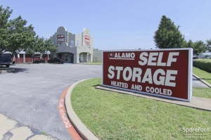 Image of Alamo-Redbird Self Storage Facility on 7011 Marvin D Love Fwy  in Dallas, TX - View 2