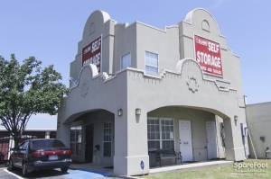 Image of Alamo-Redbird Self Storage Facility on 7011 Marvin D Love Fwy  in Dallas, TX - View 3