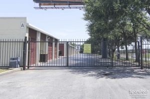 Image of Alamo-Redbird Self Storage Facility on 7011 Marvin D Love Fwy  in Dallas, TX - View 4