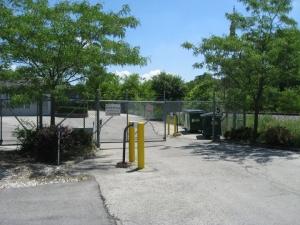 Image of Brookfield Self Storage Facility on 2846 N Brookfield Rd  in Brookfield, WI - View 4