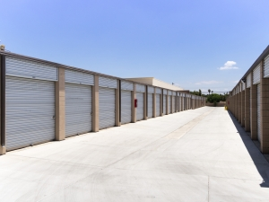 Airport Mini Storage - Riverside - 7044 Arlington Avenue - Photo 14