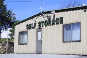 Image of Budget Store and Lock-Independence Dr. Facility on 3949 Independence Dr  in Schnecksville, PA - View 2
