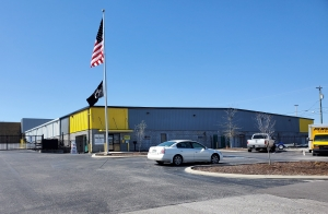 Image of Storage King USA - 003 - Chattanooga, TN - Hixson Pike Facility on 5027 Hixson Pike  in Hixson, TN - View 2