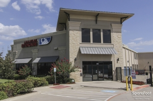 Image of Advantage Storage - Las Colinas Facility on 330 W. IH635  in Irving, TX - View 3