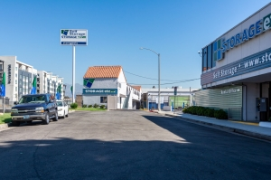 Storage Etc. - Los Feliz - Photo 2
