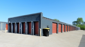 StorageMart - Glenstone & Florida - Photo 1