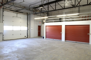 Image of StorageMart - Broadway & 34th Facility on 3401 Broadway Boulevard  in Kansas City, MO - View 3