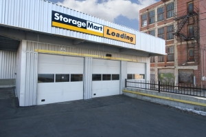 Picture of StorageMart - 17th & Grand