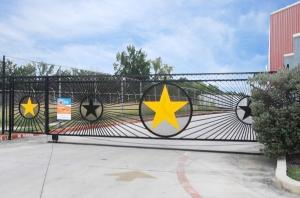 Image of StorageMart - San Pedro & W Olmos Facility on 400 W Olmos Dr  in San Antonio, TX - View 4