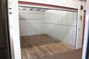 Image of StorageMart - Halsted & Chicago Facility on 1015 N Halsted St  in Chicago, IL - View 4