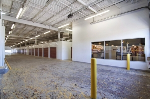 Image of StorageMart - Excelsior Rd & Shady Oak Facility on 11001 Excelsior Blvd  in Hopkins, MN - View 4