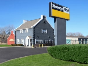 Picture of StorageMart - 67th & I-35
