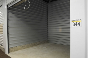 Image of StorageMart - 135th & Antioch Facility on 9220 W 135th St  in Overland Park, KS - View 3