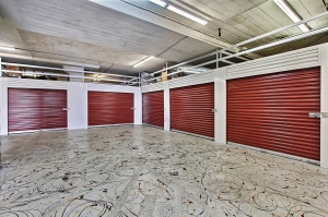 Image of StorageMart - Market & San Pablo Facility on 2743 San Pablo Ave  in Oakland, CA - View 3