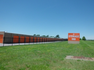 Image of A Storage Inn - Ruck Rd Facility on 16039 Ruck Rd  in Ellisville, MO - View 3