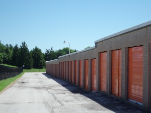 Image of A Storage Inn - Ruck Rd Facility on 16039 Ruck Rd  in Ellisville, MO - View 4