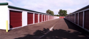 Image of StorageMart Facility on 4400 S 13th St  in Milwaukee, WI - View 3