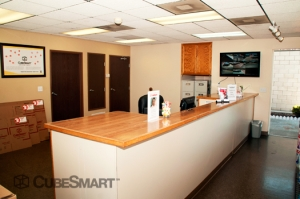 CubeSmart Self Storage - Hemet - 4250 W Florida Ave - Photo 7